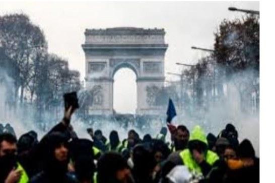 Demokrasiyi egemenler çiğner halk ayağa kaldırır.-Mehmet Ali Yılmaz