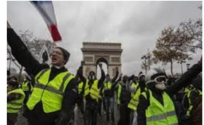 Paris Burjuvazisi Sarı Yelekliler'den korkuyor