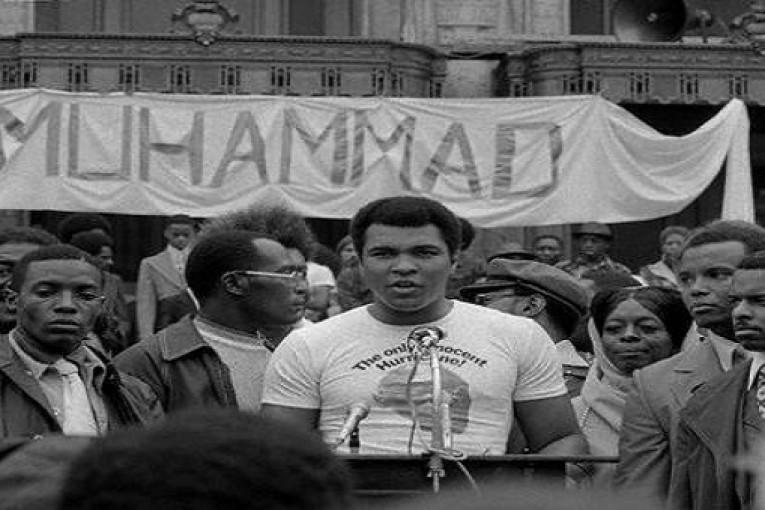 Muhammed Ali'nin düşündürdükleri…-Mehmet Tanju Akad